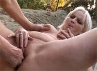 gagging sex oma am fkk strand