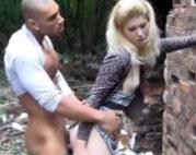Türke fickt Blondine in den Arsch