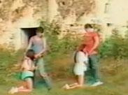 Amateur Gruppensex an einer Ruine