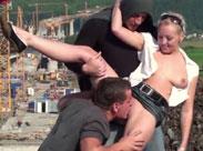 Mädchen auf einer Baustelle gefickt