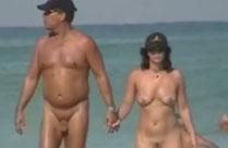 Nackte am Strand heimlich gefilmt