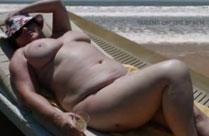 Reife Frauen nackt am Strand