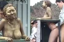 Lebende Statue öffentlich gefickt