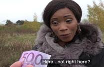 Schwarze lässt sich für Geld ficken
